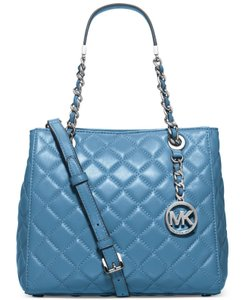 Michael Kors Leather 889154868779 Tote in Blue