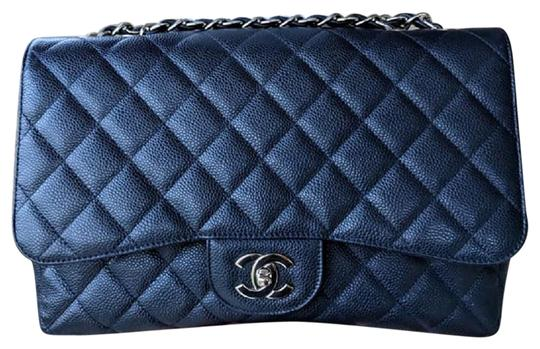 Preload https://img-static.tradesy.com/item/24442394/chanel-vintage-single-jumbo-in-with-silver-hardware-navy-blue-caviar-shoulder-bag-0-1-540-540.jpg