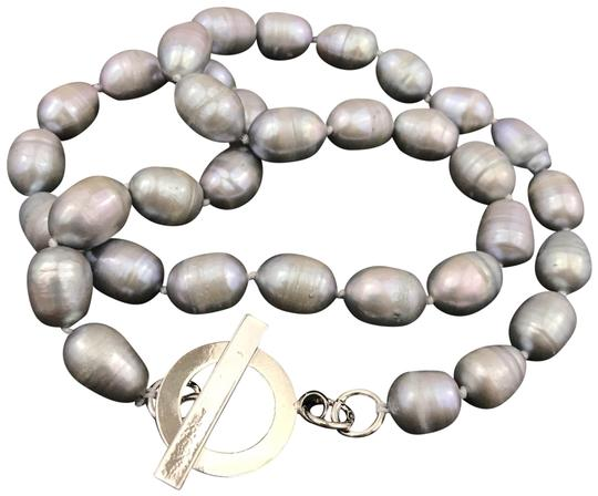 Preload https://img-static.tradesy.com/item/24442451/gray-13mm-freshwater-circle-pearl-necklace-0-1-540-540.jpg