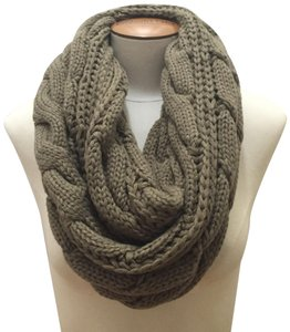 Boutique Chunky Solid Color Cable Knitted Infinity Scarf