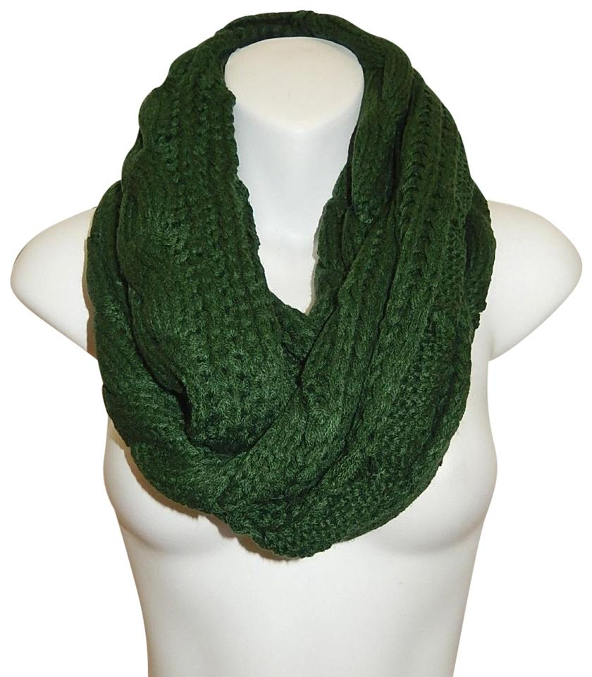 Green Chunky Solid Color Cable Knitted Infinity Scarf Wrap Tradesy