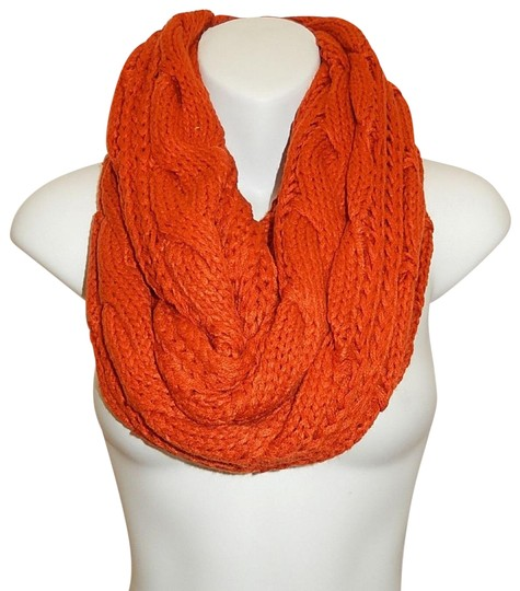 Preload https://img-static.tradesy.com/item/24442519/orange-chunky-solid-color-cable-knitted-infinity-scarfwrap-0-1-540-540.jpg