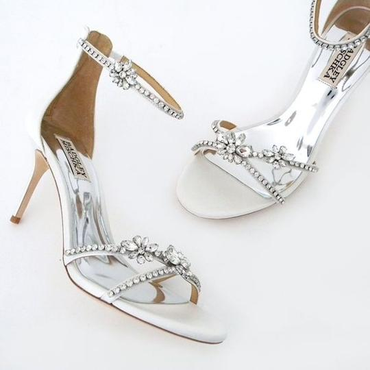 Badgley Mischka white Pumps Image 1