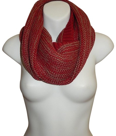 Preload https://img-static.tradesy.com/item/24442862/red-chunky-marled-yarn-knitted-infinity-scarfwrap-0-1-540-540.jpg