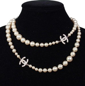 Chanel Pearl necklace graduated pearls with 2 CC's with mini pearls