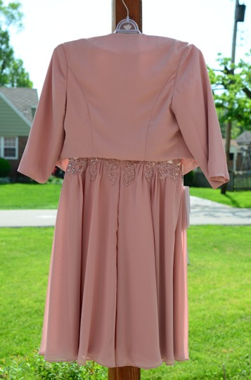 JJ's House Dusty Rose Chiffon Satin A-line/Scoop Neck Knee-length Feminine Bridesmaid/Mob Dress Size 6 (S) Image 8