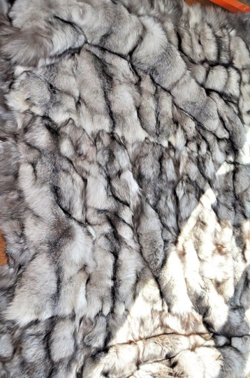 Unbranded Silver Fox Indigo Large Fur Blanket / Fur Throw /Bedspread 70X99 Image 4