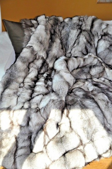 Unbranded Silver Fox Indigo Large Fur Blanket / Fur Throw /Bedspread 70X99 Image 5