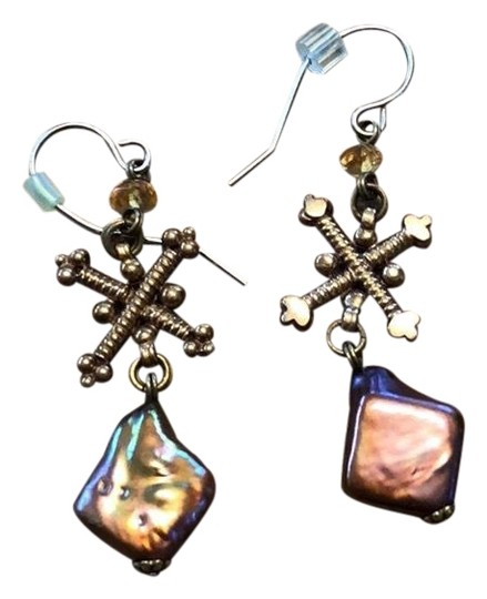 Preload https://img-static.tradesy.com/item/24443575/stephen-dweck-pink-pearl-and-gold-signature-drop-earrings-0-1-540-540.jpg