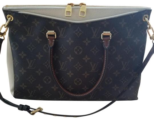 Preload https://img-static.tradesy.com/item/24443890/louis-vuitton-pallas-canvas-and-leather-shoulder-bag-0-1-540-540.jpg