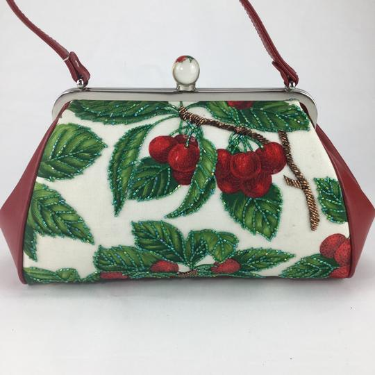 Isabella Fiore Satchel in red Image 3