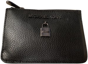 Michael Kors New Card Holder with Hide-Away-Keychain