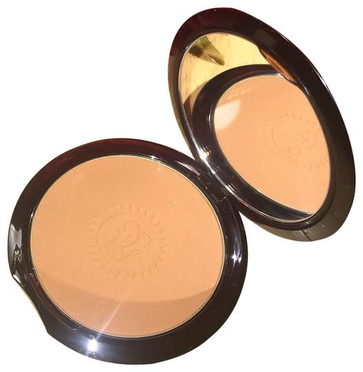 Preload https://img-static.tradesy.com/item/24445984/guerlain-paris-bronzing-powder-0-1-540-540.jpg
