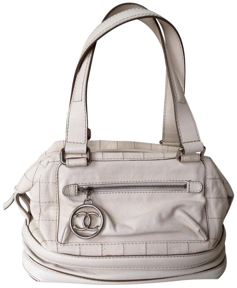 a1f1dcff0050 Chanel White Cc Logo Stitched Tote Purse Ivory Leather Shoulder Bag ...