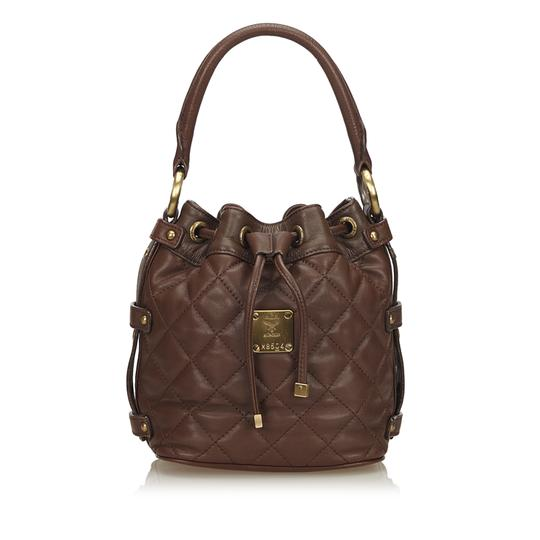Preload https://img-static.tradesy.com/item/24447192/mcm-quilted-drawstring-handbag-brown-leather-x-others-baguette-0-0-540-540.jpg