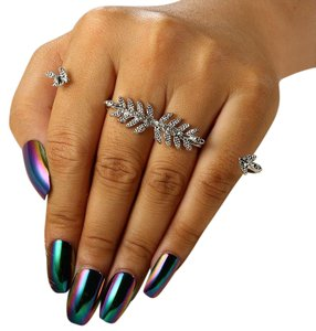 NA Crystal Encrusted Vintage Style Leaf Knuckle Ring OS