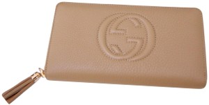 Gucci NEW AUTHENTIC GUCCI BEIGE SOHO LEATHER ZIP AROUND WALLET