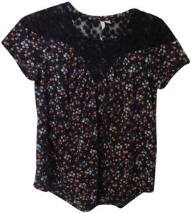 LC Lauren Conrad Lace Relaxed Floral T Shirt Black