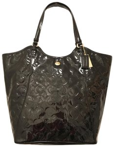Coach Purse Handbag Satchel Shoulder Weekend/Travel Tote in Black Gold