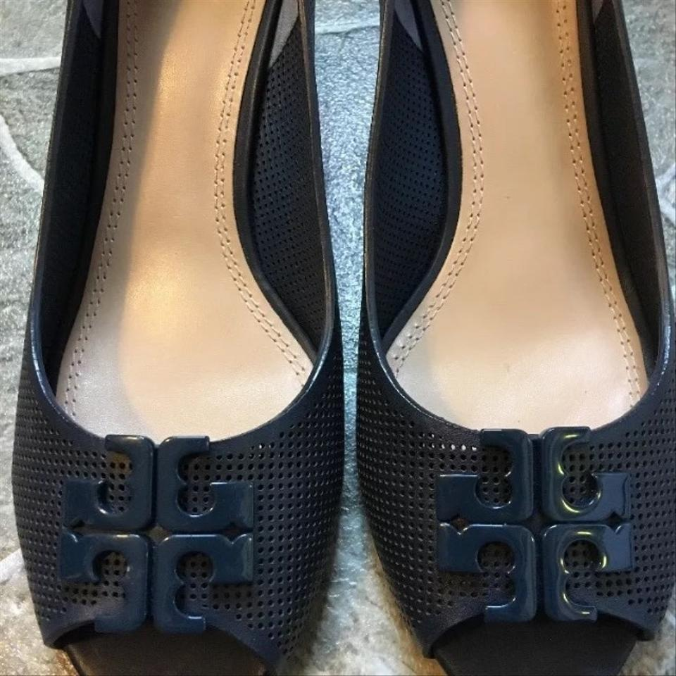 200309f76a88 Tory Burch Newport Navy Lowell 2 65mm Perforated Peep Toe Wedges Size US  9.5 Regular (M