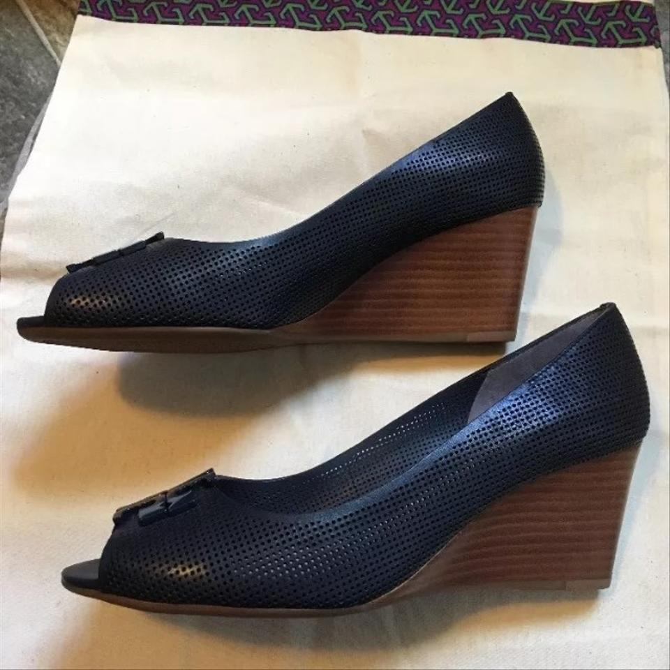 1882141b4d4 Tory Burch Newport Navy Lowell 2 65mm Perforated Peep Toe Wedges Size US  9.5 Regular (M