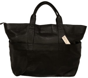 Assembly New York Travel Carryon Weekender Duffel Duffle Tote in Black