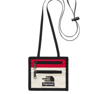 a35f31a5996 Supreme supreme x The north face expedition travel wallet