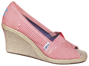 TOMS red & white Wedges