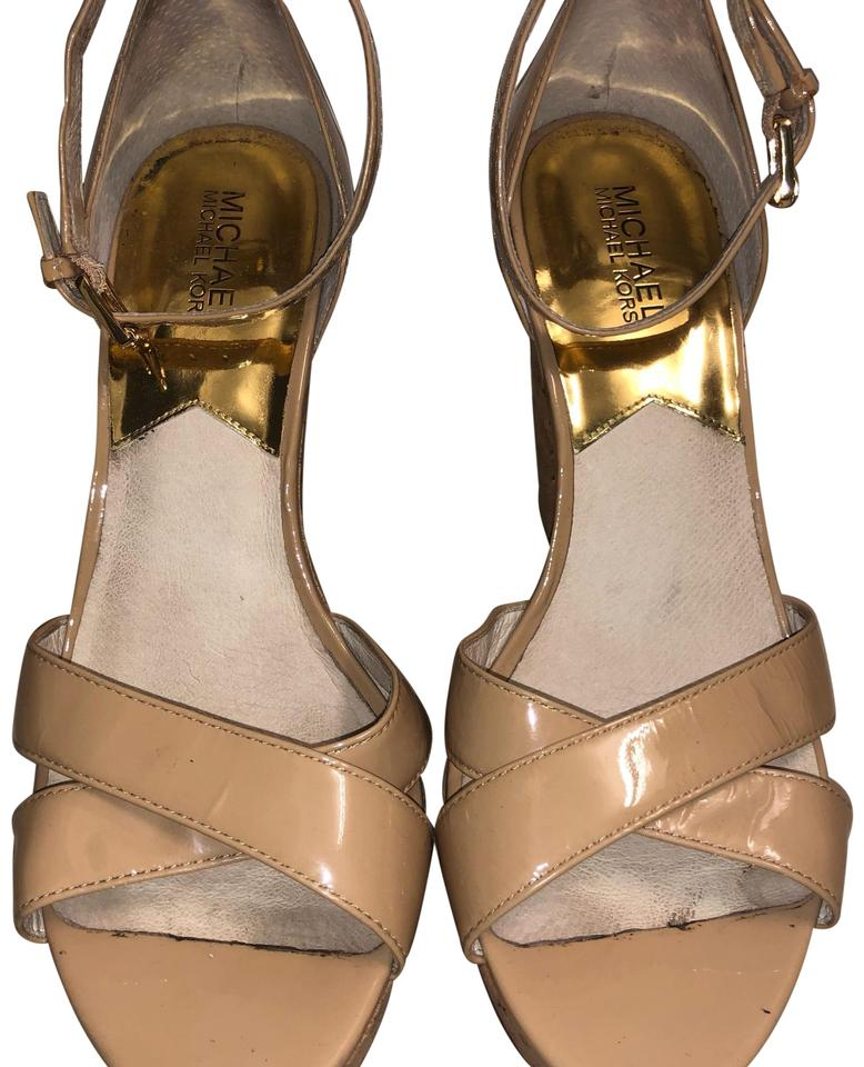 3772b37e143 MICHAEL Michael Kors Nuede   Beige Chunky Heel Sandals Size US 9.5 ...