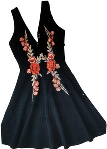 Lulu*s Plunging V-neck Fitted Waist Zipper W/Clasp New Without Tags Embroidered Dress