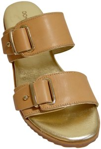Donald J. Pliner Beach Summer Wear Very Confortable Italian Style Tan/Gold Sandals