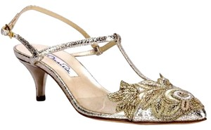 Oscar de la Renta Gold Pumps