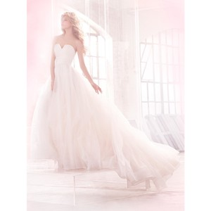 "Hayley Paige Ivory/Eggshell Polyester ""esther"" Ball Gown Formal Wedding Dress Size 10 (M)"