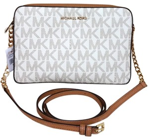7f3c89446c04 Michael Kors Bags on Sale - Up to 70% off at Tradesy