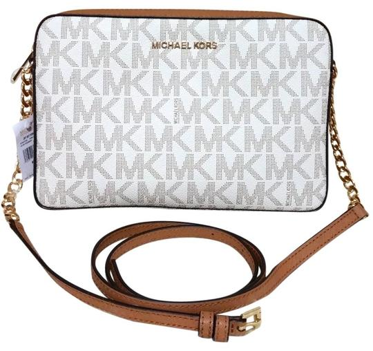 Preload https://img-static.tradesy.com/item/24460001/michael-kors-jet-set-travel-large-east-west-multicolor-vanilla-brown-canvas-cross-body-bag-0-0-540-540.jpg