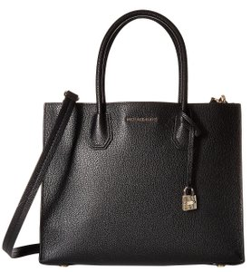Michael Kors Leather 190049683248 Tote in Black