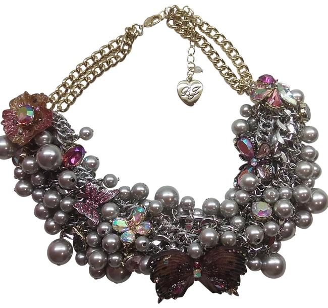 Item - Grey New Pearl Butterfly Necklace