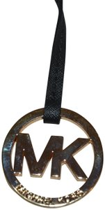 Michael Kors MICHAEL KORS GOLD ROUND MK HANGTAG CHARM FOB 4 BAG W BLACK LEATHER