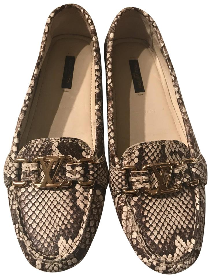 59d8a00796c013 Louis Vuitton Beige and Ivory Python Snakeskin Ladies Loafer Driving ...