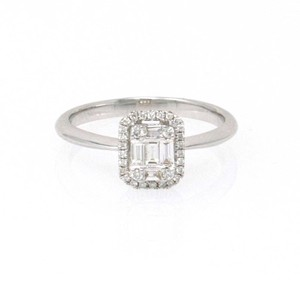 White Gold 18k Baguette Halo Diamond (0.25 Ct) Engagement Ring