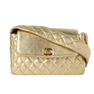 8233193c1387e8 Gold Lambskin Leather Chanel Bags - 70% - 90% off at Tradesy (Page 2)