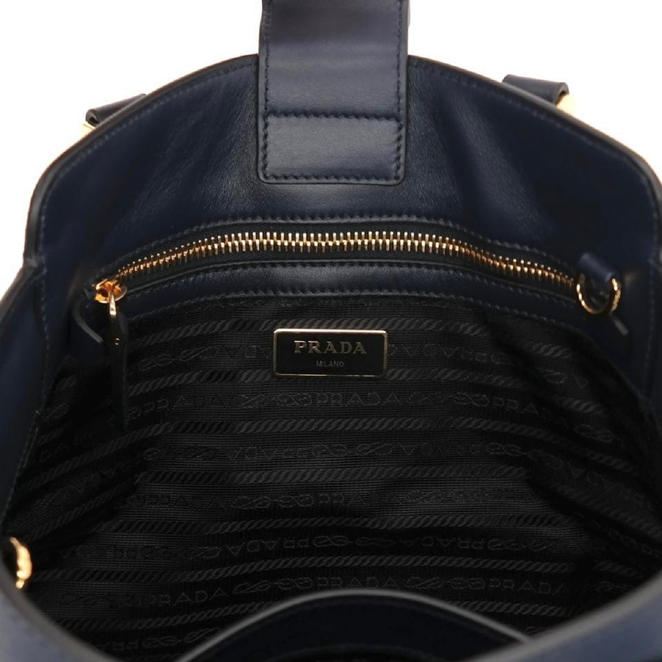 ba5c8b3e6529 Prada Lux Women s Blue Saffiano Handbag 1ba118 Navy Leather Tote ...