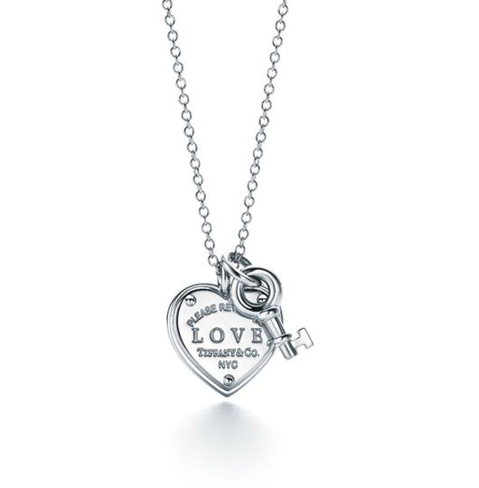 Preload https://img-static.tradesy.com/item/24465934/tiffany-and-co-silver-sterling-925-love-heart-tag-key-pendant-necklace-0-0-540-540.jpg