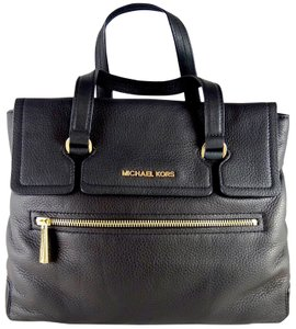 Michael Kors Leather 888235388434 Tote in Black