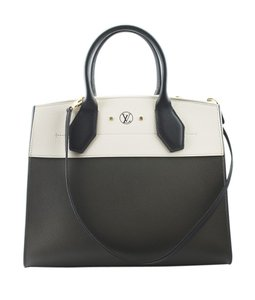 Louis Vuitton Leather Box Dustbag Italy Satchel in Cream