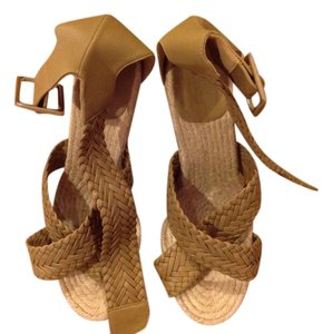 Hermes Camel Wedges