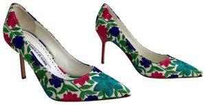 Manolo Blahnik Embroidered Bb 90mm Floral Pumps