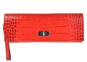 Givenchy Clutches - Up to 90% off at Tradesy 927a07d99fe16