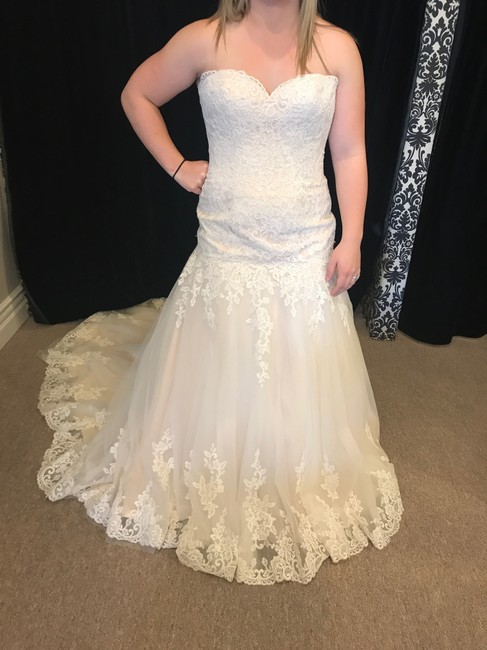 Mori Lee Cameo Lace 5402 Traditional Wedding Dress Size 14 (L) Mori Lee Cameo Lace 5402 Traditional Wedding Dress Size 14 (L) Image 1