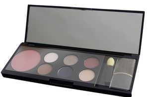 Estee Lauder Estee Lauder Signature Collection Shadows and Blush Palette With Cosmetic Bag